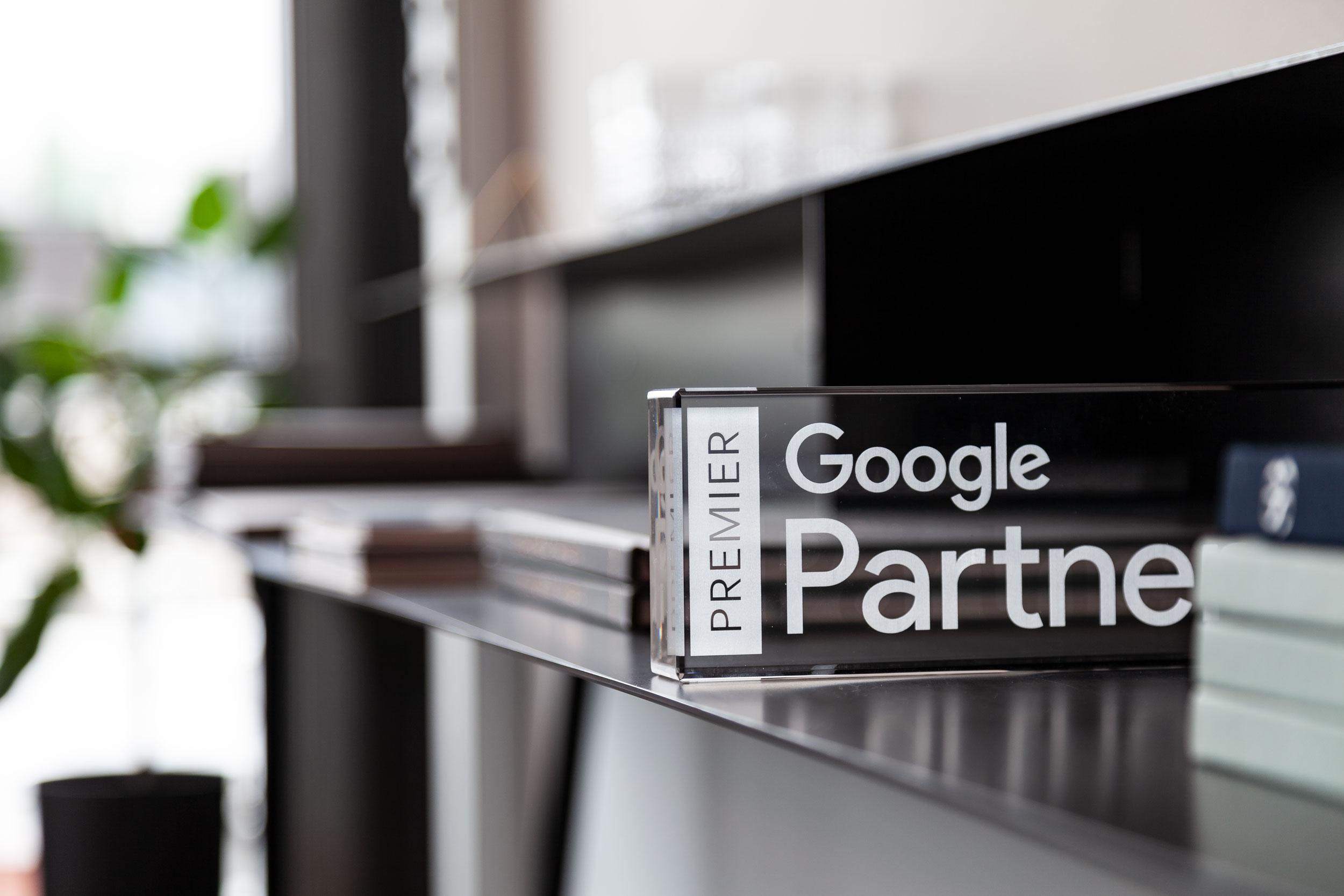 Bilde av Premier Google Partner skilt